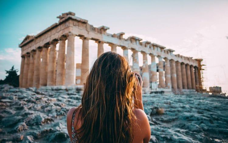 Когда лучше ехать в Грецию?