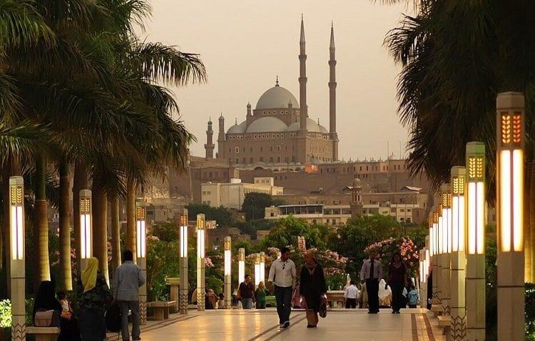 Каир - город тысячи минаретов