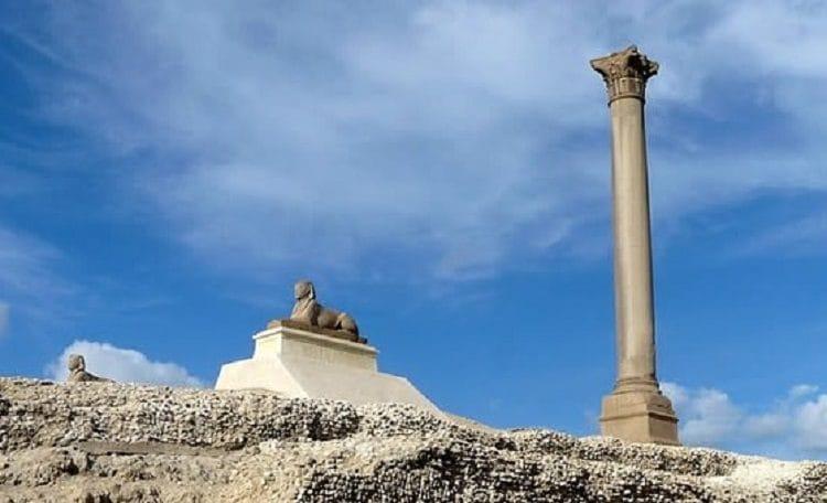 Колонна Помпея в Александрии Египетской