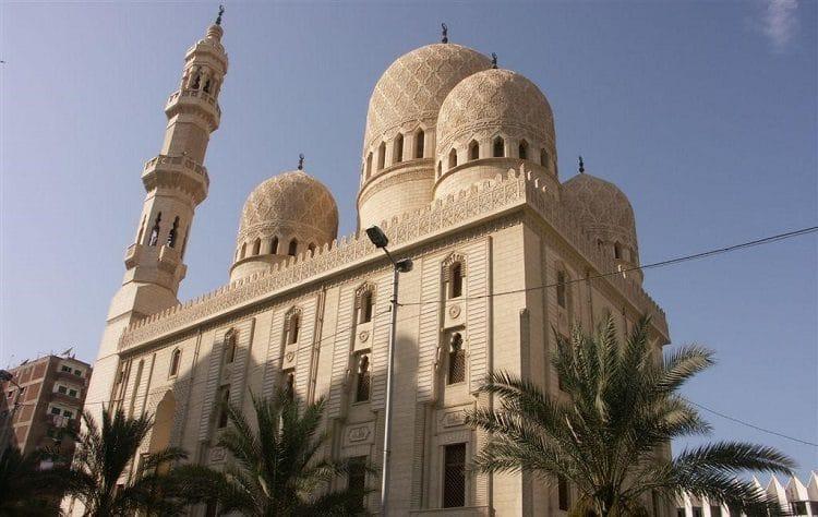 Александрия сочетает в себе европейские и арабские традиций