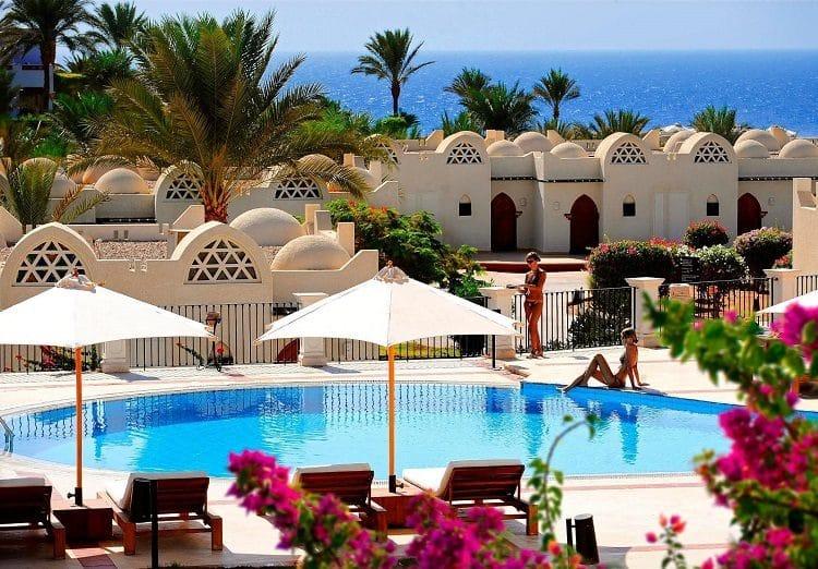 Отель Reef Oasis Beach