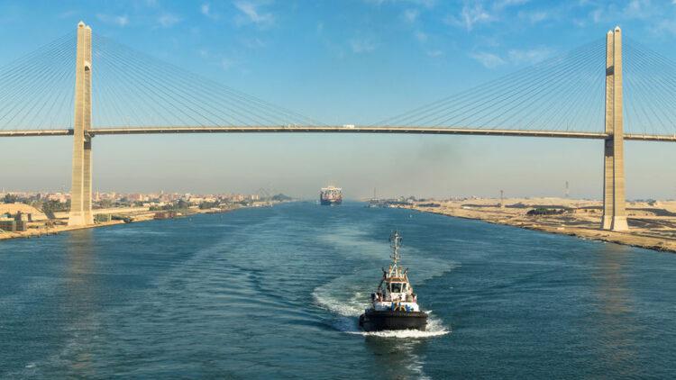 Суэцкий канал между Средиземным и Красным морями